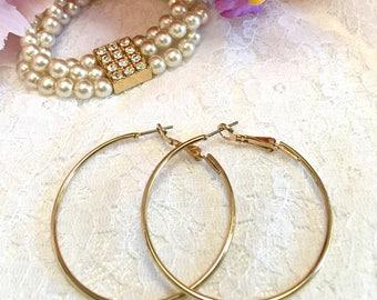 Vintage Gold Tone Hoop Pierced Earrings/vintage jewelry/Costume Earrings/Clip on Earrings