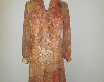 Closing Shop 40%off SALE 60's 70's  Vintage    floral   polyester  dress      boho bohemian hippie hippy gypsy