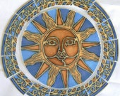 China Mosaic Tiles Hand Cut Blue Sun Face Round Focal and Matching Celestial Tiles