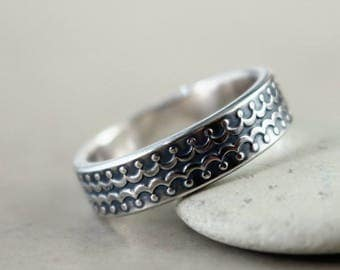 Sterling Silver band ring, crown pattern, antiqued, stacking, Unisex ring