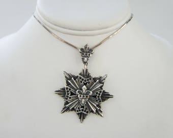 Sterling Silver Serpentine Chain Necklace with Large Sterling Maltese Cross - Star Medallion Pendant    1814D