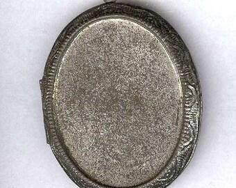 vintage HONG KONG LOCKET larger size holds standard 40mm x 30mm cabachon, vintage large locket silvertone