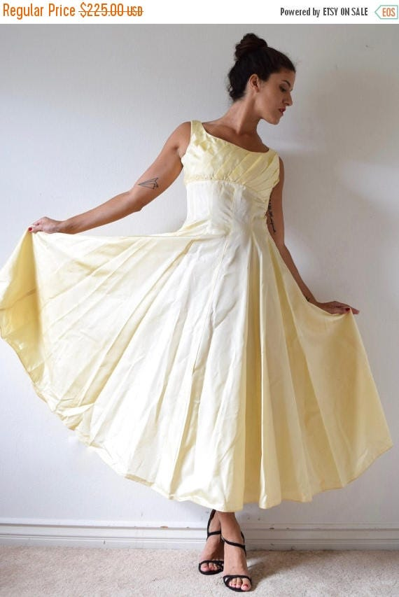 SALE SECTION / 50% off Vintage 50s Buttercup Yellow New Look Paneled Party Dress (size small, medium)