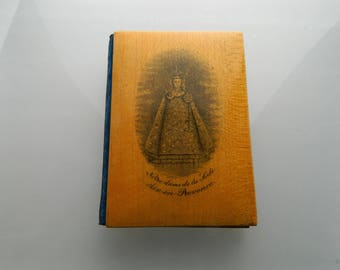 Antique carnet de bal. Notre-Dame. French  aide memoire . French Antique  Aide Memoire. Victorian Dance Card. Carnet de Bal.