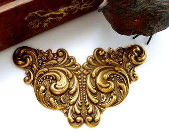 ANTIQUE BRASS * Art Nouveau Scroll Cartouche Stampings ~ Jewelry Finding (C-809)