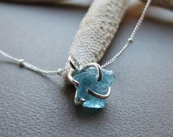 ON SALE Rough Apatite Gemstone Necklace,Uncut Rough Gem,Sterling Silver Apatite Necklace,Mineral Gemstone Pendant Necklace, Handmade Jewelry