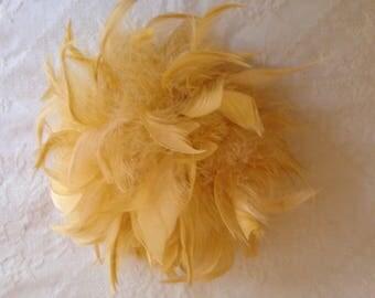 Vintage Millinery Estate Ladies Art Deco Gold Feather Fascinator EUC