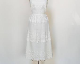 1970s Wedding Dress -- Vintage Lace Wedding Dress