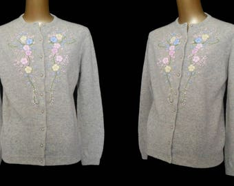 Vintage 50s Style Cardigan Sweater, 80s Hand Embroidered Gray Lambswool Blend, Size M Medium
