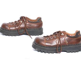 size 11 PLATFORM brown vegan 90s GRUNGE derby shoe lace up ankle boots