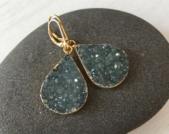 Green Druzy Teardrop Earrings,Gold Green Druzy Earrings,Gift under 100, gift for her,organic earrings,mineral earrings,boho style earrings