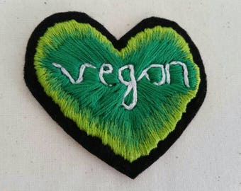 Green vegan heart patch: iron-on / sew-on - hand embroidery on felt