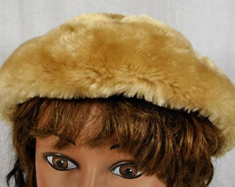 Gwenn Pennington Faux Fur Champagne Colored Beret Hat Cap -New with Original Tag