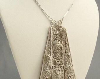 Vintage Art Deco Filigree Rhodium Pendant Necklace