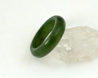 Vintage Estate Nephrite Jade Band Ring, Spinach Green, US 6.5, UK M-1/2