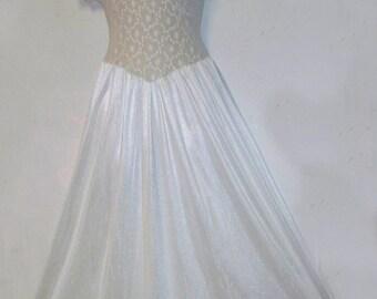 vintage White nylon lace Cinema Etoile nightgown small med