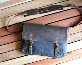 Leather Messenger Bag, Canvas Messenger Bag, Waxed Canvas Messenger bag, Laptop Bag, Computer Bag, Free Shipping, Messenger Bag, Crossbody