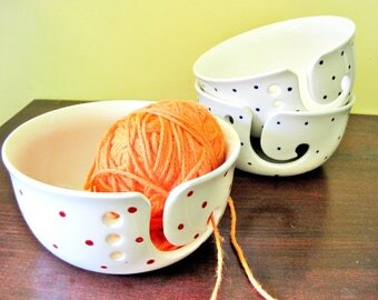 Polka Dots pottery yarn bowl, Large White ceramic yarn bowl, gift to mom - In stock