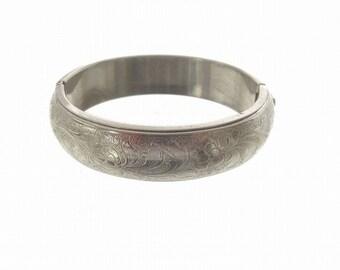 Vintage Wide Bangle Bracelet, Silvertone Hinged Bangle, 1950 Fine Vintage Jewelry, Vintage Hinged Cuff