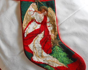 ANGEL NEEDLEPOINT CHRISTMAS Stocking Beaded Stars & Snood Beautiful Detailed Stitching Petit Point Face Flowing Robe Wings Lined Red 7 x 18