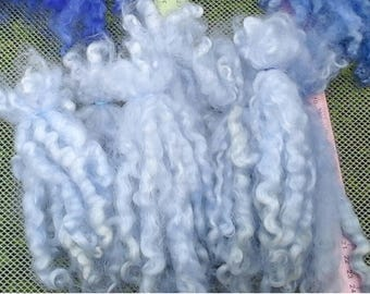Medium Lilac wool doll hair locks/7-9 INCHES/1.88 ounces/Washed/dyed/conditioned/blythe/pullip/waldorf/bjd/suri alpaca/mohair/reroot/PURPLE