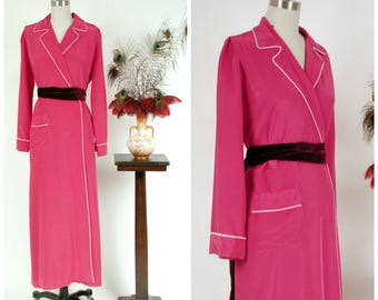 Vintage 1940s Robe - Sleek Saybury Rayon Blend Wrap Style Dressing Gown with Pink Piping Trim