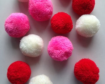 Yarn Pom Pom, party poms, handmade, pompom, yarn balls, pink, off-white, red, 12 poms, tulle, soft, iammie
