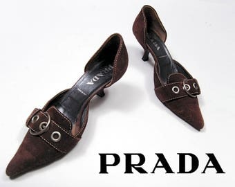 90s PRADA brown suede leather kitten pumps with buckle detail - size 38 / 7