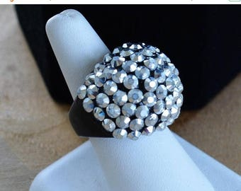 On sale Glitzy Silver Beaded, Black Plastic Ring, Vintage, Size 8-1/4 (P11)