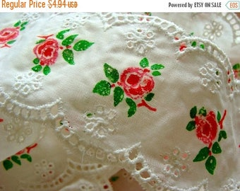 ONSALE Vintage Girly Feminine Pink and White Embroidered Roses Lace