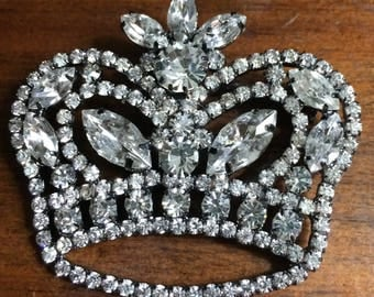 Large Vlear Rhinestone Crown Broovh Pin