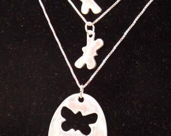Aunt Two Niece necklace set, Aunt 2 Niece butterflies, Aunt and Niece gift, Auntie necklace set, Gift for nieces