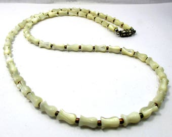 """vintage handmade charming simple cute carved mother of pearl bell flower beads necklace 21.5"""""""