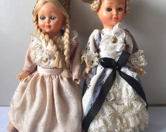 Vintage traditional folk costume collectable dolls - Set of 2