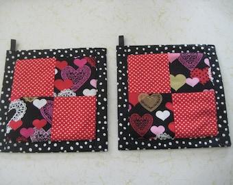 Summer Wedding Hearts Black or White  Kitchen Potholder Set