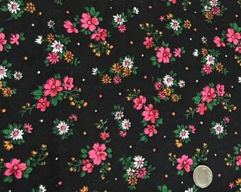 Vintage Mod Flower Power Fabric 1960s Hot Pink Daisies