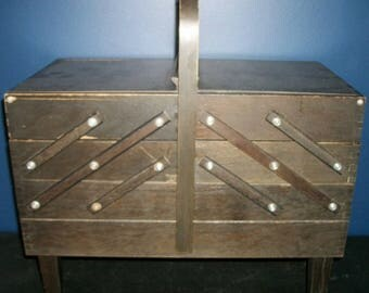 Singer Accordian Expanding Sewing Notions Stand Wood Sewing Box