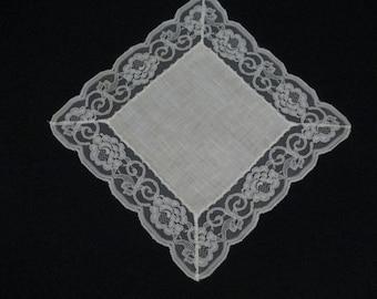 FREE SHIPPING Vintage White Lace Hanky Handkerchief Handkerchef Hankie Wedding