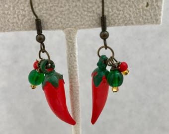 Vintage Red Chili Peppers Lucite Earrings Green Doodaba