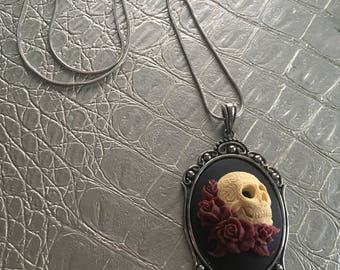 Blood and Roses Necklace