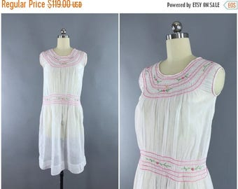 FLASH SALE - Vintage 1920s Dress / 20s Embroidered Peasant Dress / Bohemian Hungarian 1920 Sundress / Size Small S Xs