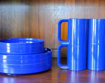 vintage blue heller massimo vignelli coffee cups and plates / midcentury modern kitchen / cobalt blue