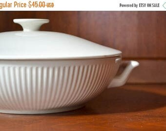 SALE 25% OFF vintage white porcelain royal copenhagen serving dish / vegetable dish / danish modern minimalist