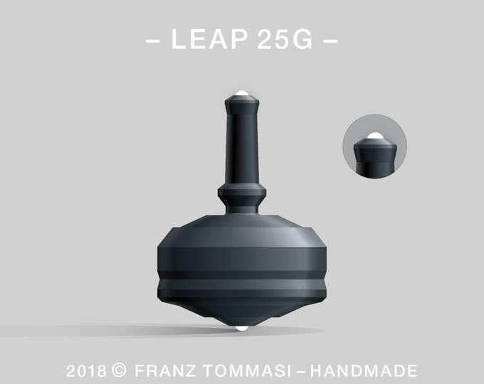 LEAP 25G Black – Precision handmade polymer spin top with dual ceramic tip and rubber grip