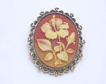Gerry's Cameo Flower Brooch - Pendant