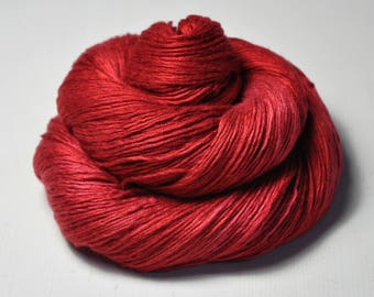 Blood queen - Fleece Silk Lace Yarn - LIMITED EDITION