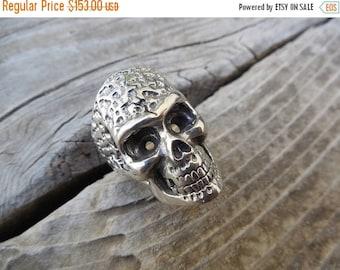 ON SALE Heavy sterling silver skull ring