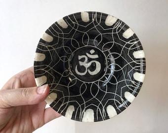 O H M : ceramic trinket dish