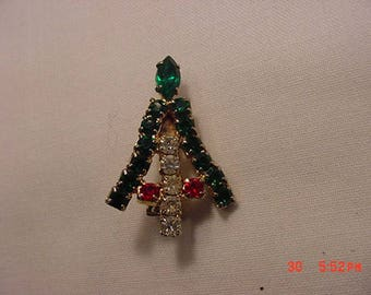 Vintage Rhinestone Christmas Tree Pin Or Brooch  17 - 739