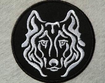 """Damask Wolf Iron on Patch 4"""""""